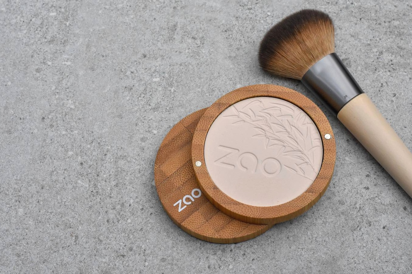 zao refillables - For some reason, I was a bit sceptical about Zao. I'd seen their products popping in some of the 'plastic free' shops, but wasn't convinced that they could live up to that claim.I had a really positive email exchange with the Director of Zao, who was completely transparent about what they can do, can't do, will do and won't do.My view now is that some products are better than others. I don't believe that a refillable mascara or lipgloss is much of an improvement (the only plastic 'saving' being the wand). But I do think the refillable powders, eye-shadows and blushers are truly fabulous.Overall, they definitely one of the good guys :-)