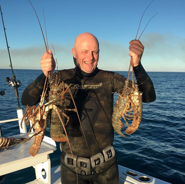 hookedonangling     Quick run offshore this afternoon for a couple of hours ……………… Guess who's having fresh Crays for dinner !!!