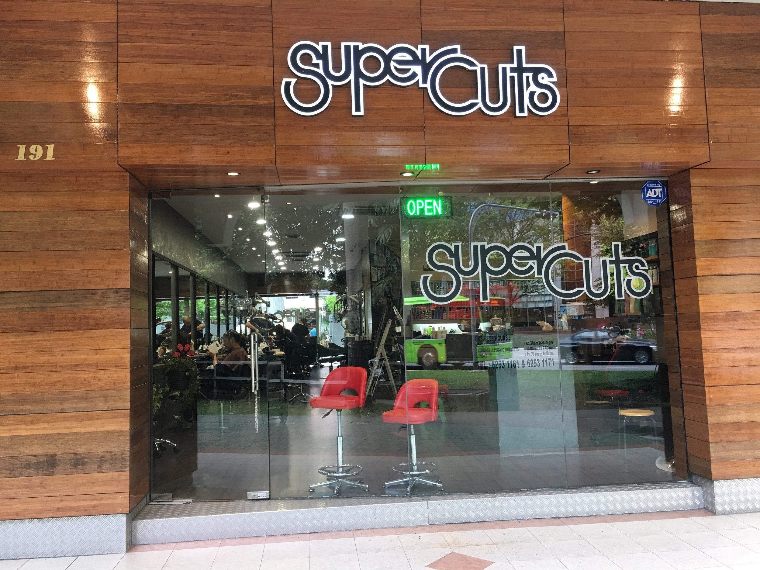SuperCuts, 191 Thomson Road. The entrance to the Salon I ended the year 2017 with this project.