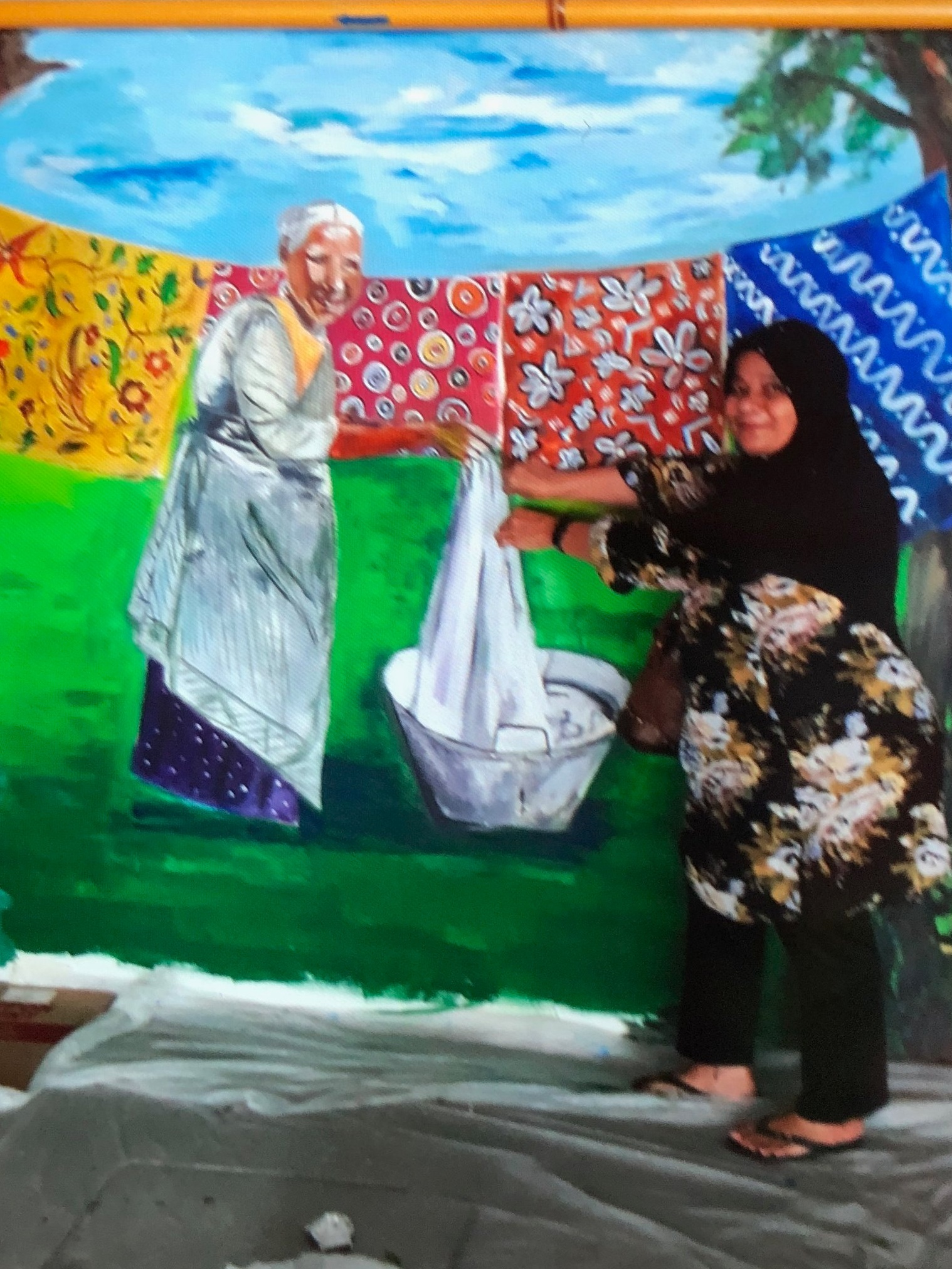 """Biarkan saya mendapat nenek!"" (""Let me help, Granny!"") Photo courtesy of this lady. Image is not clear cos she doesn't have whatsapp or email so I had to take a printshot directly from her phone (lol)."