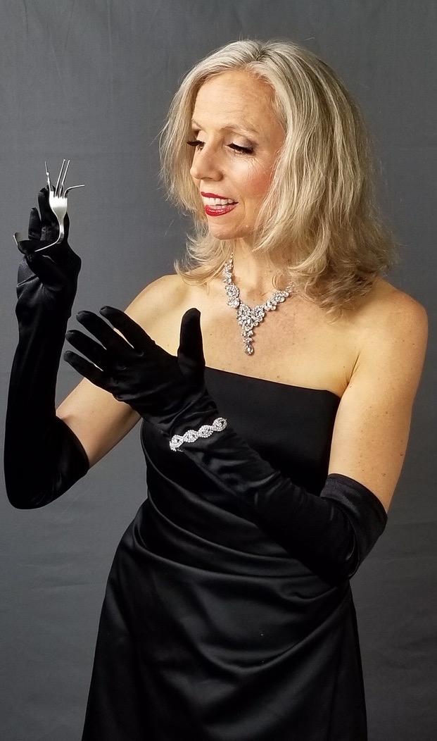 Close-up magic, www.HeatherMagic.com_Heather_Rogers_Magician_Speaker_Trainer_Mentalist_Epigenetics_Coach.jpg