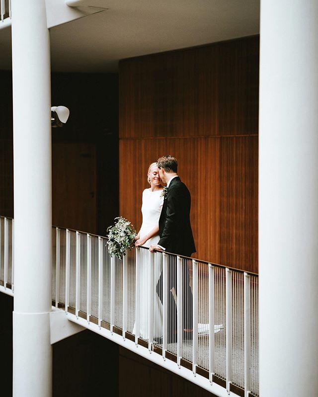 Elise & Bernhard - August 2019⠀ ⠀ Can I just shoot here always please? No matter where I point my camera it looks gorgeous😍⠀ ⠀ #bryllup #bryllup2019 #bryllup2020 #bryllupsfotograf #bryllupsfotografaarhus #andersdalsgaard #bryllupsbilleder #bryllupsinspiration #brud #sommerbryllup #bryllupsfotografjylland #bryllupaarhus #nordiskebryllup #bride #wedding #bryllupsfotografering #lookslikefilm #rådhusbryllup  #weddingphotography #junebugweddings #weddingindenmark  #aarhuscityhall #featuremeoncewed #weddingineurope #loveacouple #bröllopsfotograf #bröllop2019 #bröllopsinspiration #hochzeitsfotograf #hochzeitsfotografie ⠀