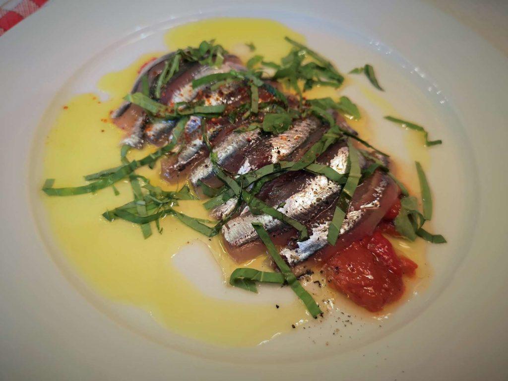 anchois-frais-marines-sur-poivrons-a-lhuile-doli-1024x768.jpg