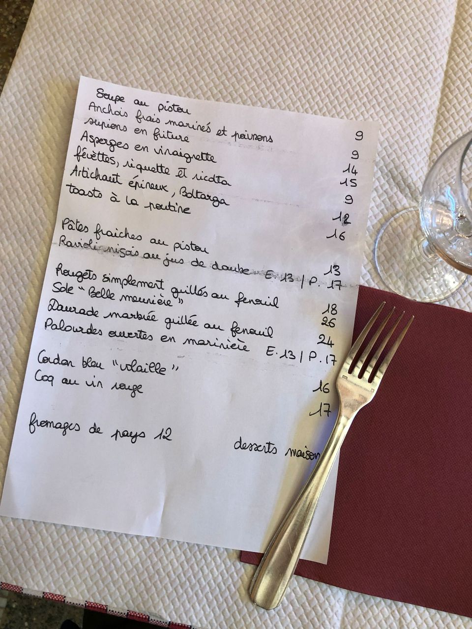 chez-davia-menu-sur-table-1_6173436.jpg