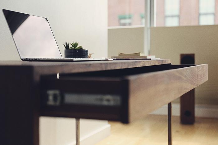 20-desk.jpg