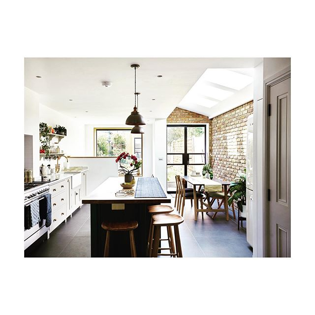 Saturday Morning Kitchen. A previously small kitchen in this East London house has been transformed into a light and functional living space. A beautiful, light-filled @devolkitchens kitchen and island, dining area and sunken snug, perfect for viewing the garden on cooler days. Ready, steady, cook! 📸 by @rebeccapierce  #kitchen #kitchendesign #houserefurb #transformation #dontmoveimprove #london #eastlondon #stratford #architecture #londonarchitects #devolkitchens #mabarchitects