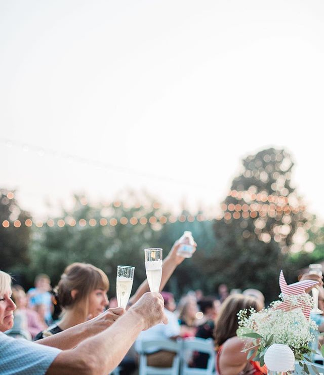 Cheers to tipsy bridesmaids speeches and teary eyed words from the father of the groom. Cheers to forehead kisses and clinking glasses and well wishes for a lifetime of love. Here's to the perfect night🥂 If you're currently planning a wedding I hope you take a moment to relax and know that these are the things worth remembering, and they happen naturally ✨ #irongategardeninn #chicoweddingphotographer #chicophotographer
