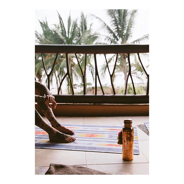 Day dreaming about Mexico today (and everyday) ✨🇲🇽✨ Pictured are our incredible sponsors @allavitayoga mats and @tamracopperla water bottles . . . 📸 @sprocketz