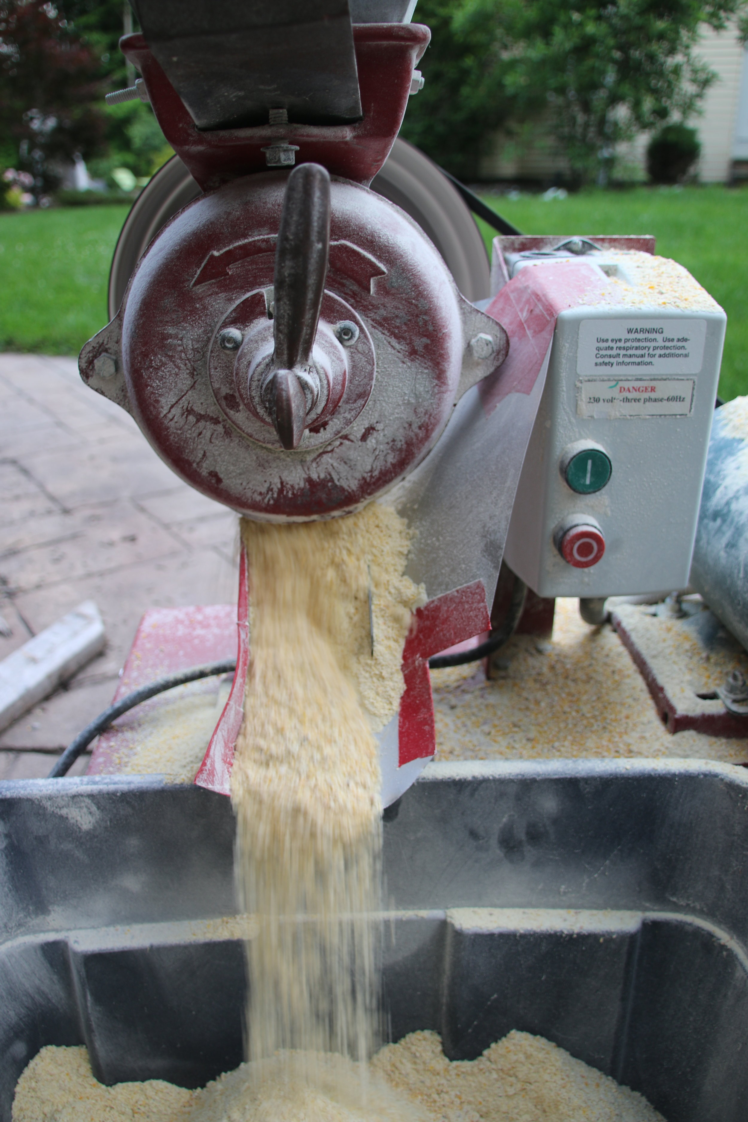 Milling corn to a fine grist