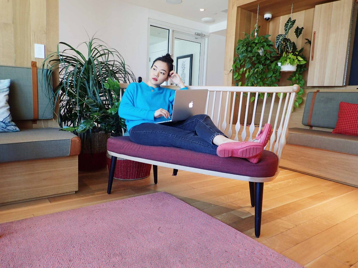 Work From Home Outfit, Blue Sweater, Mom Jeans, Pink Loafer