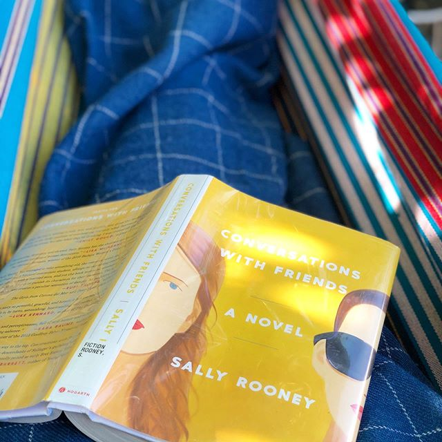 It's hammock season again! What are you guys reading?
