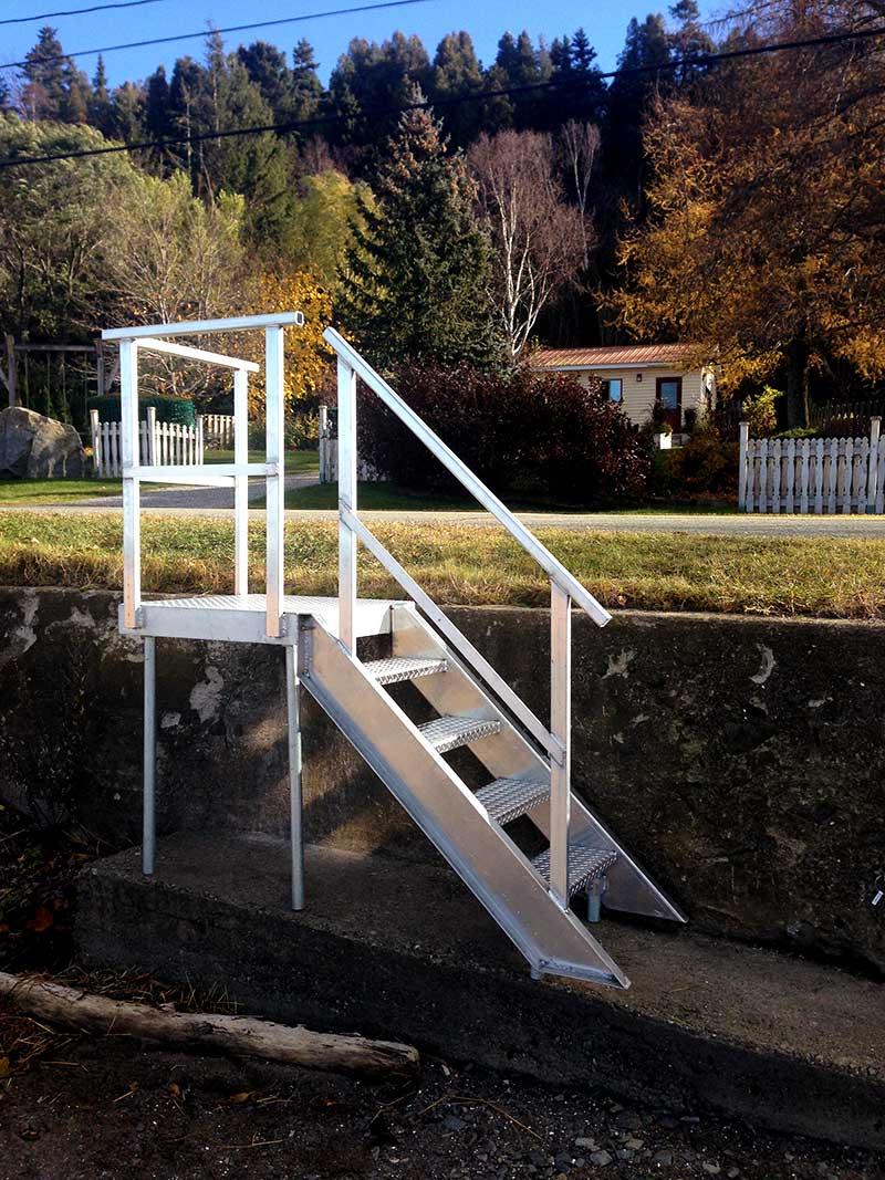 escalier-alu-2.jpg