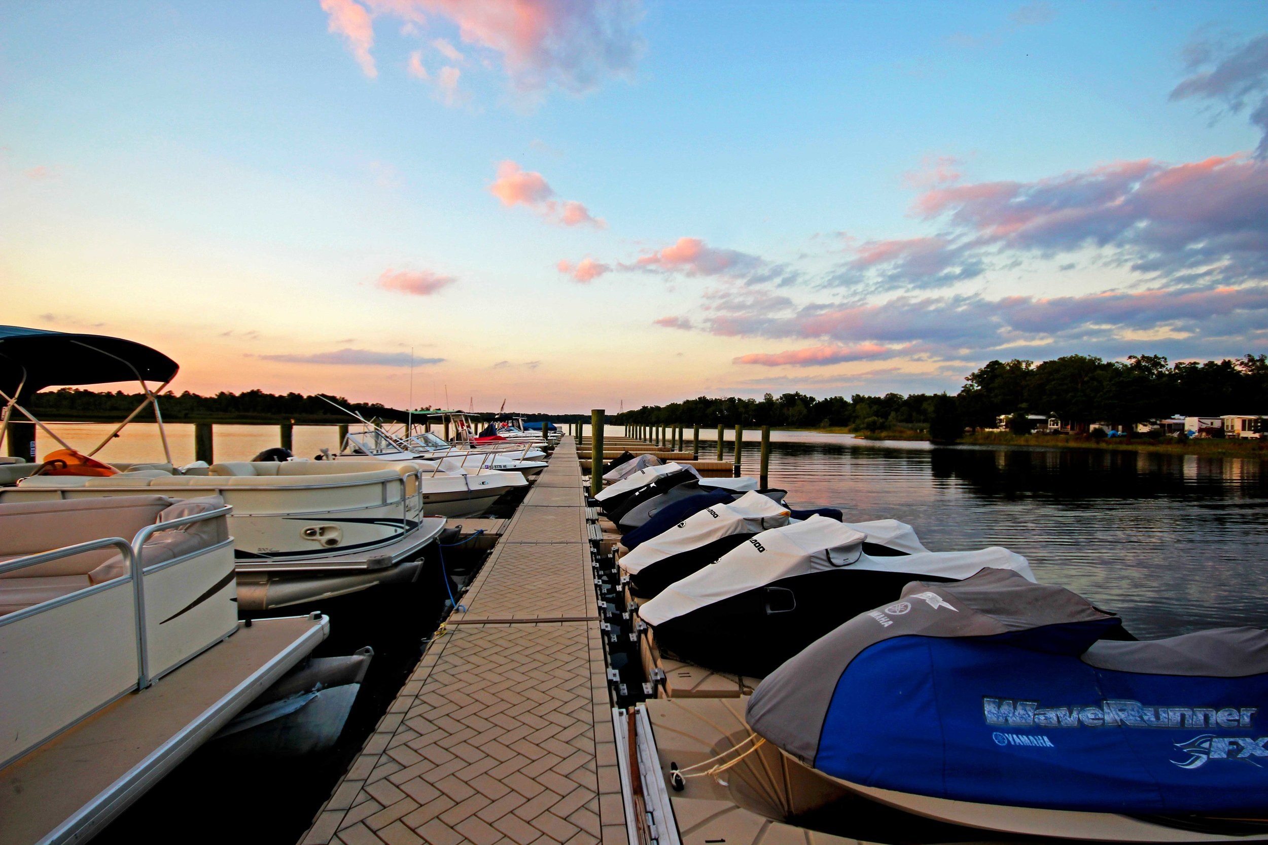 River-Beach-Resort-and-Marina-Wednesday-Night-(16).jpg