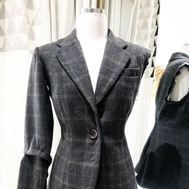 Modernize your vintage finds! - - - - - #seamstress #tailor #blazer #alterations #collegewest #littleitaly #ootd #mensfashion #bespoke #toronto #thesix #womensfashion #fashion #vintage #ootd #daily