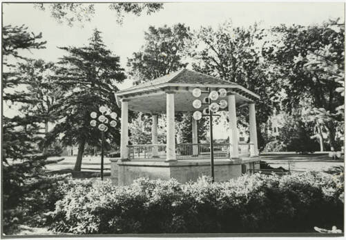 City Park Gazebo - A gazebo has been at the center of City Park almost since its initial layout. A variety of bands and musical styles have held concerts in those gazebos for more than 100 years and continue to do so.
