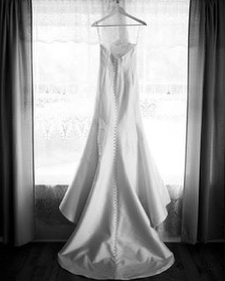 Deciding whether to preserve my wedding dress to hand down to future kiddos, to sell it, or to donate it. What did y'all do with your dresses when you tied the knot? • • • Photography: @haileylaff  Dress: @debrasbridal  Venue: @thehilliardmansion • • • • #wedding #weddingdress #bride #bridal #igersjax #jacksonvillewedding #georgiawedding #floridawedding #bohowedding #bohobride #rusticwedding #rusticbride #vintagewedding #vintagebride #pontevedrawedding #tuesdaystogether #risingtidesociety #orlandowedding #orlandobride #daytonawedding #daytonabride #gainesvillewedding #gainesvillebride #vintage #antique #weddinginspo #jaxbeach #staugustine #staugustinewedding