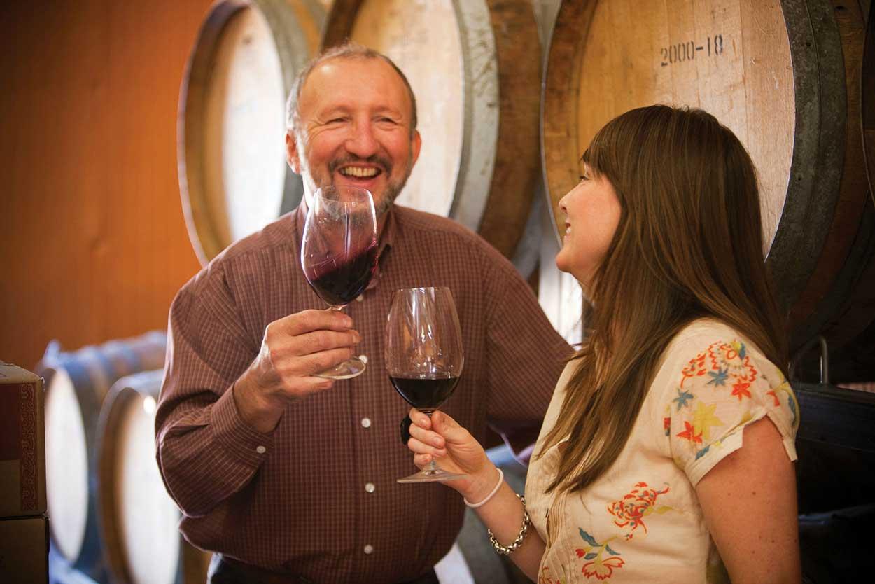 Bendigo-Winegrowers_Sandhurst-Ridge-Winery-barrel-tasting.jpg