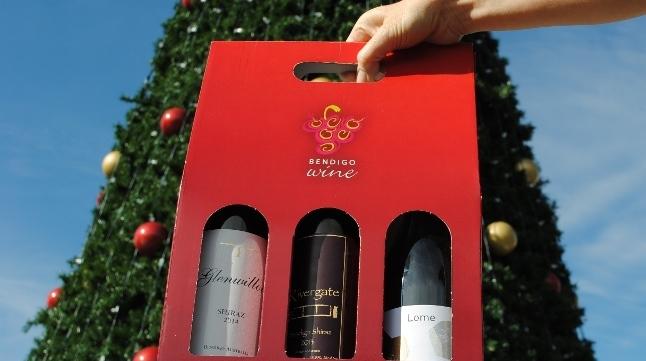 Bendigo Wine in hand.JPG