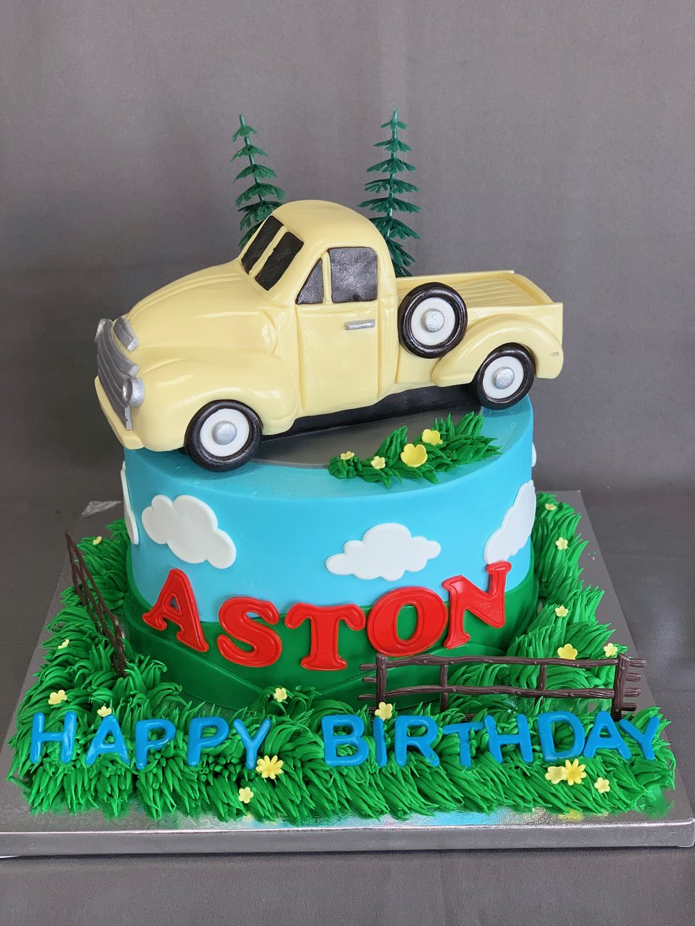 Baby Horse Cake Skazka Desserts Bakery Nj Custom Birthday Cakes Cupcakes Shop