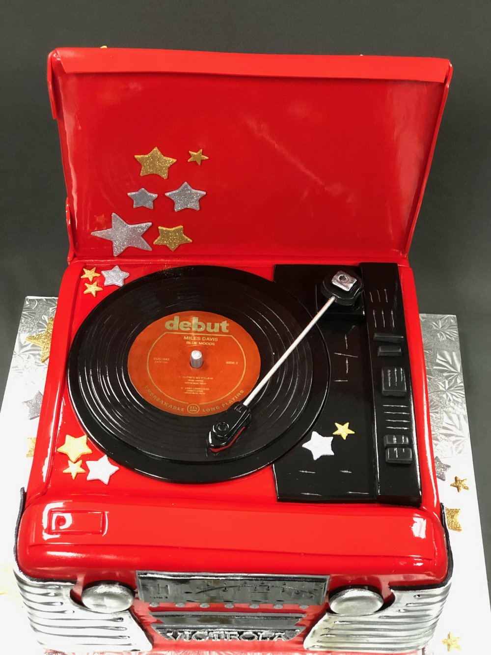 Retro Vintage Record Player Birthday Cake NJ
