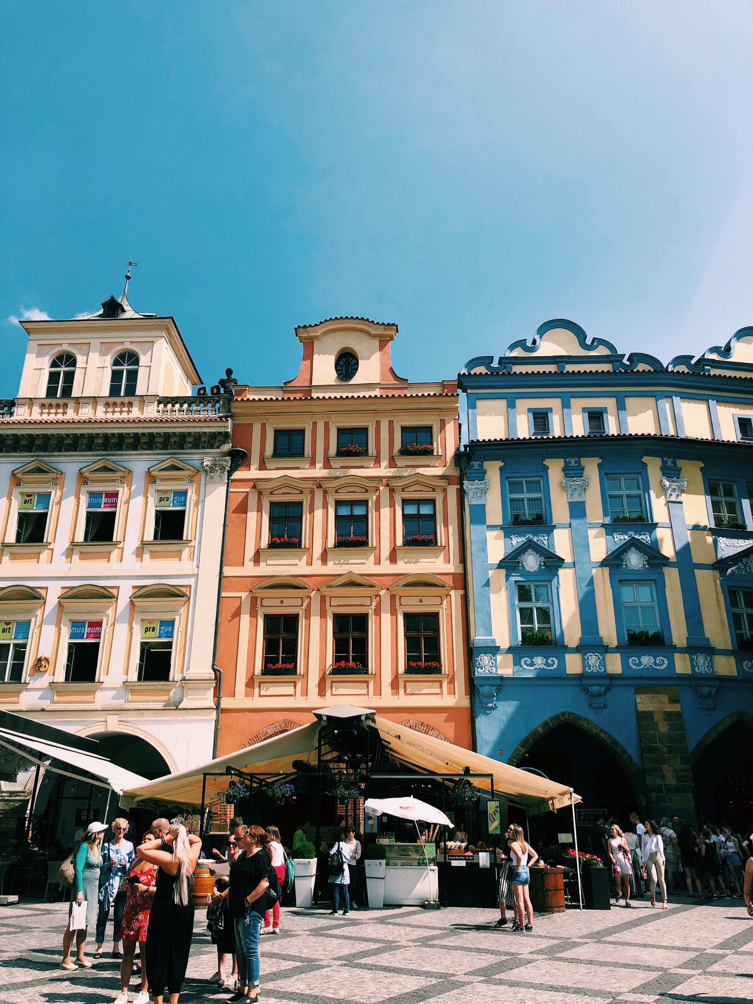 beautiful-buildings-prague.JPG
