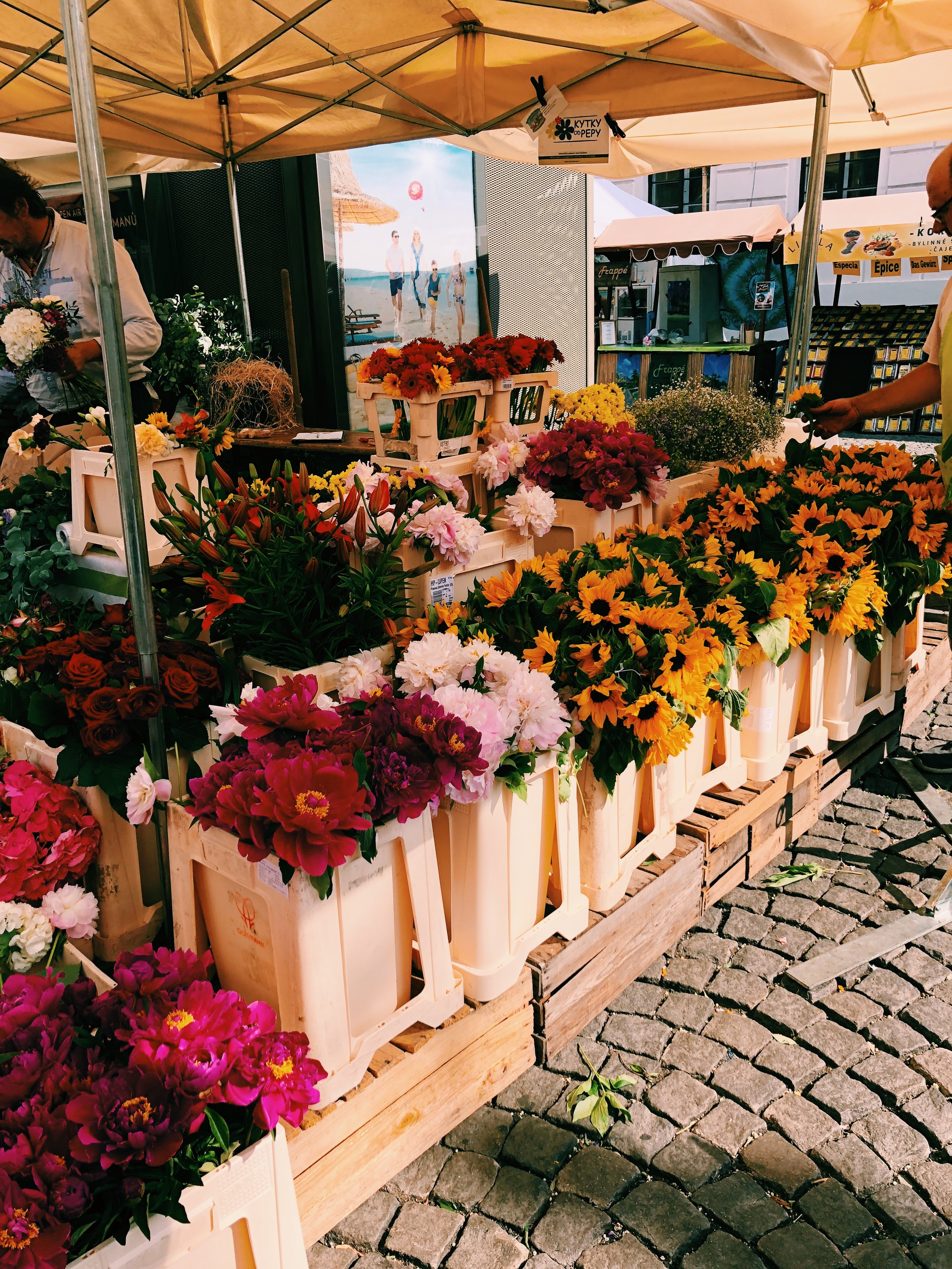Fresh-Flowers-Prague.JPG