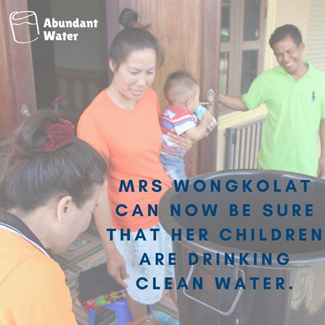 Introducing our second family to receive water filters as part of the Abundant Water & Caritas Luxembourg colllaboration: the Wongkolats! 🎉🎉 The Wongkolats are a family of five (mum, dad and 3 children) who live in Hoi Village, located in north-central Laos.  Mrs Wongkolat is a teacher and her husband is a farmer. She told Abundant Water that she is very glad and happy to receive help for her family. She is so appreciative of what the project will mean for her family and can now be sure her children are drinking clean water 🤗 More about the Wongkolat's story is in the link in our bio 💦💦 #caritasluxembourg #abundantwater #cleanwater #laos