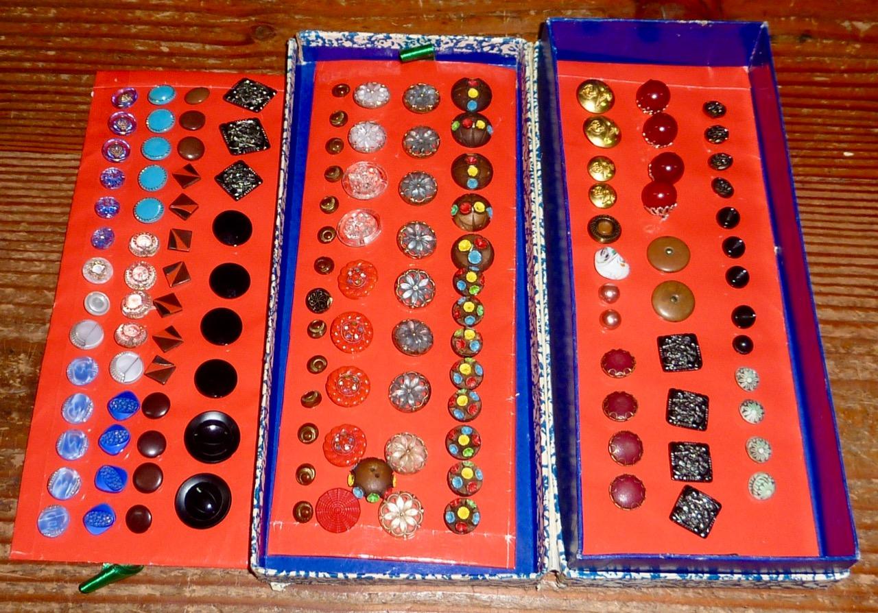 Traveller's Button Samples-1.jpg