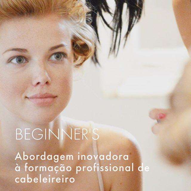O Salon Haircutting é um curso profissional de cabeleireiro com os graus de exigência previstos pelas melhores escolas internacionais. É um curso direccionado para pessoas sem qualquer experiência na área.  O que torna este curso diferente de todos os outros é a abordagem essencialmente prática adoptada nas aulas, direccionada para o atendimento especializado em qualquer salão moderno.  Não queremos que perca tempo com uma formação descatualizada e com exercícios que nunca colocará em prática. Assim sendo, o nosso objectivo é focá-lo para técnicas e habilidades que o consumidor moderno quer e que você terá de imediato acesso no salão. Os nossos formadores ensinam, passo a passo todas as técnicas de corte com base nos parametros de qualidade de academias internacionais de prestigio como a Vidal Sassoon.  Poderá, desta forma, usufruir de vinte e quatro semanas, dois dias por semana de aulas teórico-praticas e 2 a 4 dias por semana de assistência em salão. Produtos e seleção de equipamentos. Acessórios e kit de cabeleireiro. Preparação e fundamentos de hairstyling. Técnicas de corte & coloração escola Anton Beill Haircare Estilo de passerelle, moda e ficção. Técnica de ondulação e apanhado. Prática de preparação para ecrã, fotografia e eventos. Informa te! TEL: 210990399 - 912829539