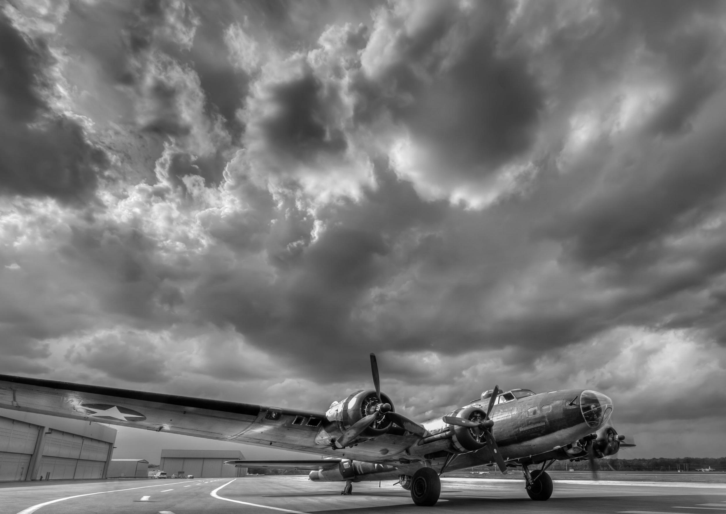 B-17WorldWar2Bomber.jpg