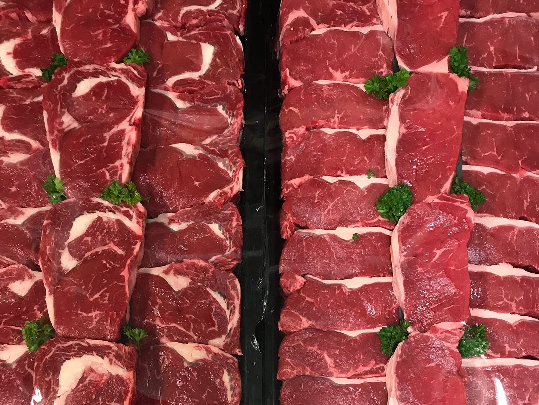 "beef - PORTERHOUSE STEAKA boneless loin cut that is always a great steak to serve family and friends. This cut is also known as ""sirloin"" steak. Perfect for steak lovers, can be grilled, pan fried or cooked on the BBQ. Best cooked medium rare and allowed to rest prior to serving."