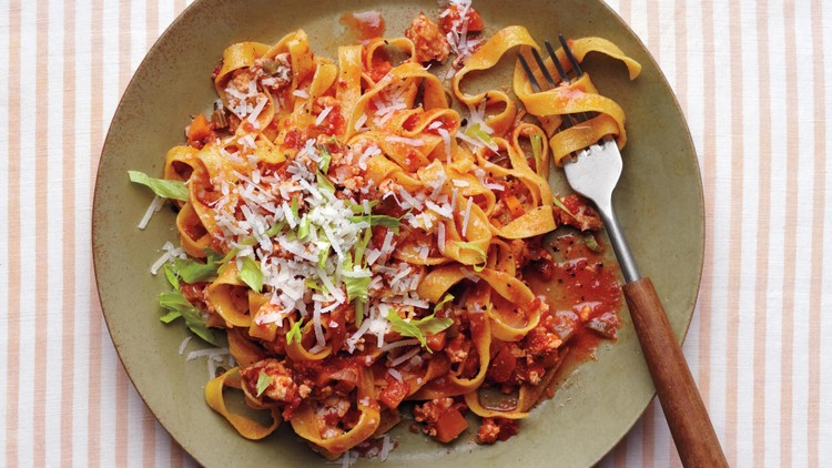 chicken-pasta-035-fork-only-d112542_horiz.jpg