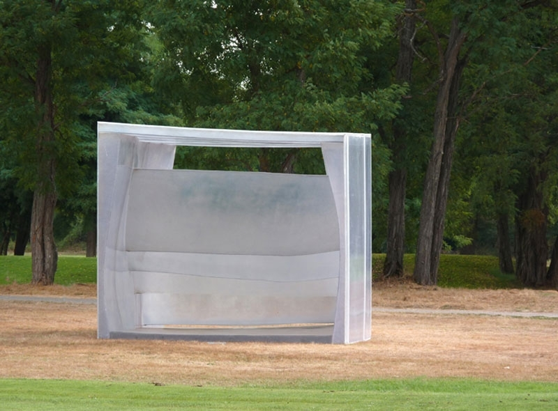 partita  . Polyester resin and polycarbonate. 2010. Dimensions: 3,20 m x 5,50 m x 3,70 m