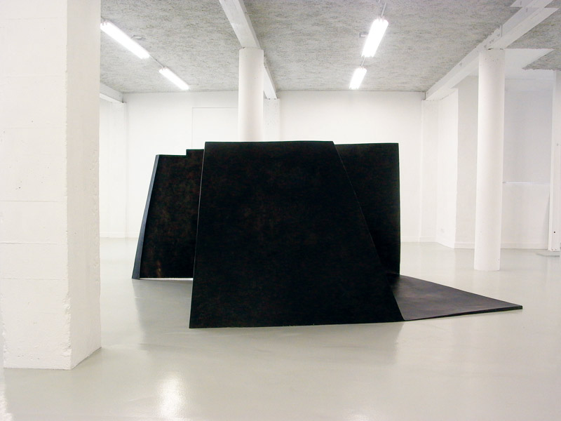 For Y S . La litre .2012                                                                             Epoxy resin & basalt fabrics. Dimensions: 145 x 300 x 212 cm