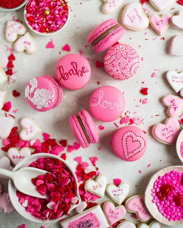 "Babe, I love you! — So here's a sneaky peek of @cloudykitchen, @thebakerylady and my ""casual"" Valentine's Day Cookie Box collab! If you haven't noticed yet, there's a theme starting this year and (hint) it's the year of many, many epic cookie boxes! Consider yourself warned😉 . . . . . #foxandcrane #thebakefeed #bakefromscratch @thebakefeed #feedfeed @thefeedfeed.baking @thefeedfeed #forkyeah #buzzfeedfood #gloobyfood #spoonfeed #tastingtable #foodandwine #buzzfeast #kitchenbowl #marthafood #imsomartha @marthastewart #lovefood @love_food #heresmyfood @food #thesugarfiles #bareaders #thekitchn #foodblogfeed @food52 #f52grams #f52 #saveurtraditions @saveurmag #sweetlife #baking101 #valintinesday #macaronstagram #flatlaytoday @flatlaytoday #huffposttaste @huffposttaste #macarons"