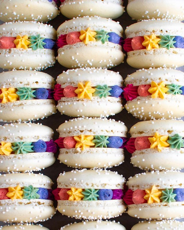 Well duh.. @cloudykitchen and I couldn't not make Rainbow Macarons this year! — Wishing everyone a happy, safe and fun 🏳️‍🌈Pride Weekend!!✨#loveislove 🌈Recipe on the blog!  #pride #pride2019 #equality #foxandcrane #thebakefeed @thebakefeed #feedfeed @thefeedfeed.baking @thefeedfeed #forkyeah #buzzfeedfood #gloobyfood #spoonfeed #tastingtable #foodandwine #kitchenbowl #marthafood #imsomartha @marthastewart #lovefood @love_food @food #thesugarfiles #thekitchn #foodblogfeed @food52 #f52grams #f52 @saveurmag #sweetlife #baking101 #flatlaytoday @flatlaytoday #huffposttaste @huffposttaste #macarons #frenchmacarons #rainbowmacarons #rainbows