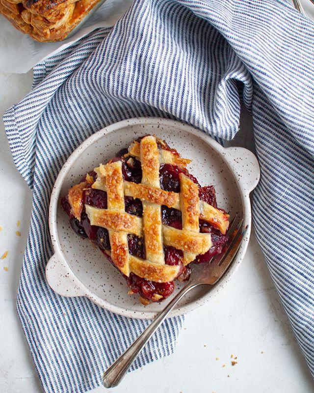 Summer = stone fruit pie season! This Cherry Slab Pie with Brown Butter Oat Streusel is how @cloudykitchen & I stone fruit'd a few weeks ago! 💃🏻🍒🕺🏻— Recipe on the blog!  #foxandcrane #thebakefeed @thebakefeed #feedfeed @thefeedfeed.baking @thefeedfeed #forkyeah #buzzfeedfood #gloobyfood #spoonfeed #bareaders #wsbakeclub #tastingtable #foodandwine #eeeeeats #kitchenbowl #marthafood #imsomartha @marthastewart #lovefood @love_food @food #thesugarfiles #thekitchn #foodblogfeed @food52 #f52grams #f52 @saveurmag #sweetlife #baking101 #flatlaytoday @flatlaytoday #huffposttaste @huffposttaste #pies #cherries #cherry #cherrypie #summerbaking