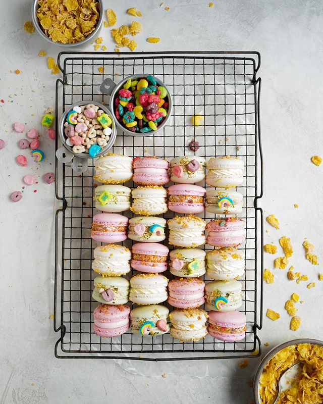 Breakfast is the most important meal of the day. So that makes these Breakfast Cereal Macarons the most important! 😏 Frosted Flakes, Trix and Lucky Charms! @cloudykitchen — Recipe link in bio!  #foxandcrane #leicaq2 #thebakefeed #bakefromscratch @thebakefeed #feedfeed @thefeedfeed.baking @thefeedfeed #forkyeah #buzzfeedfood #gloobyfood #spoonfeed #tastingtable @foodandwine #buzzfeast #kitchenbowl #imsomartha @marthastewart #lovefood @love_food @food #thesugarfiles #bareaders #thekitchn @thekitchn #foodblogfeed @foodblogfeed @food52 #f52grams #f52 #saveurtraditions @saveurmag #sweetlife #baking101 #macaronstagram #flatlaytoday @flatlaytoday #huffposttaste @huffposttaste #macarons #cerealmilk #cereal