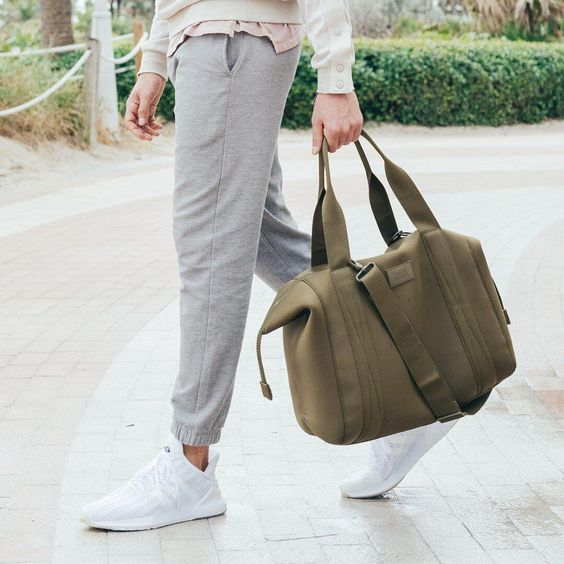 The Landon Carryall, Dagne Dover