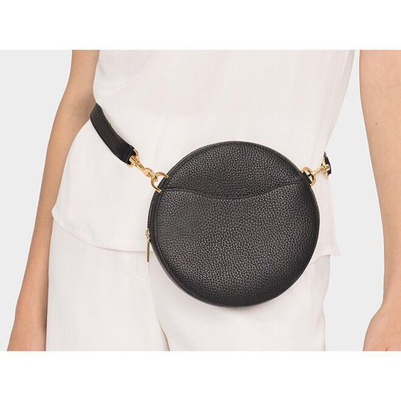 Cuyana_Mini-Circle Belt Bag_College Visits_TROVVEN.jpg
