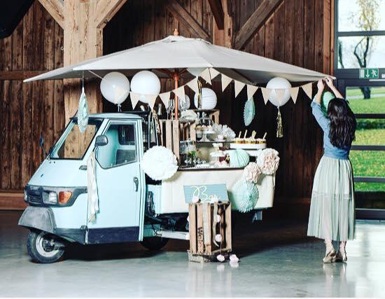 vintage motors - ... und Getawaycars.Ob mit Retro APE Bar oder Oldtimer, wir nehmen euch mit auf eine magische und nostalgische Reise. Whooop whooop!