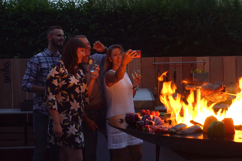 selfie by the chef's anvil 1500.jpg