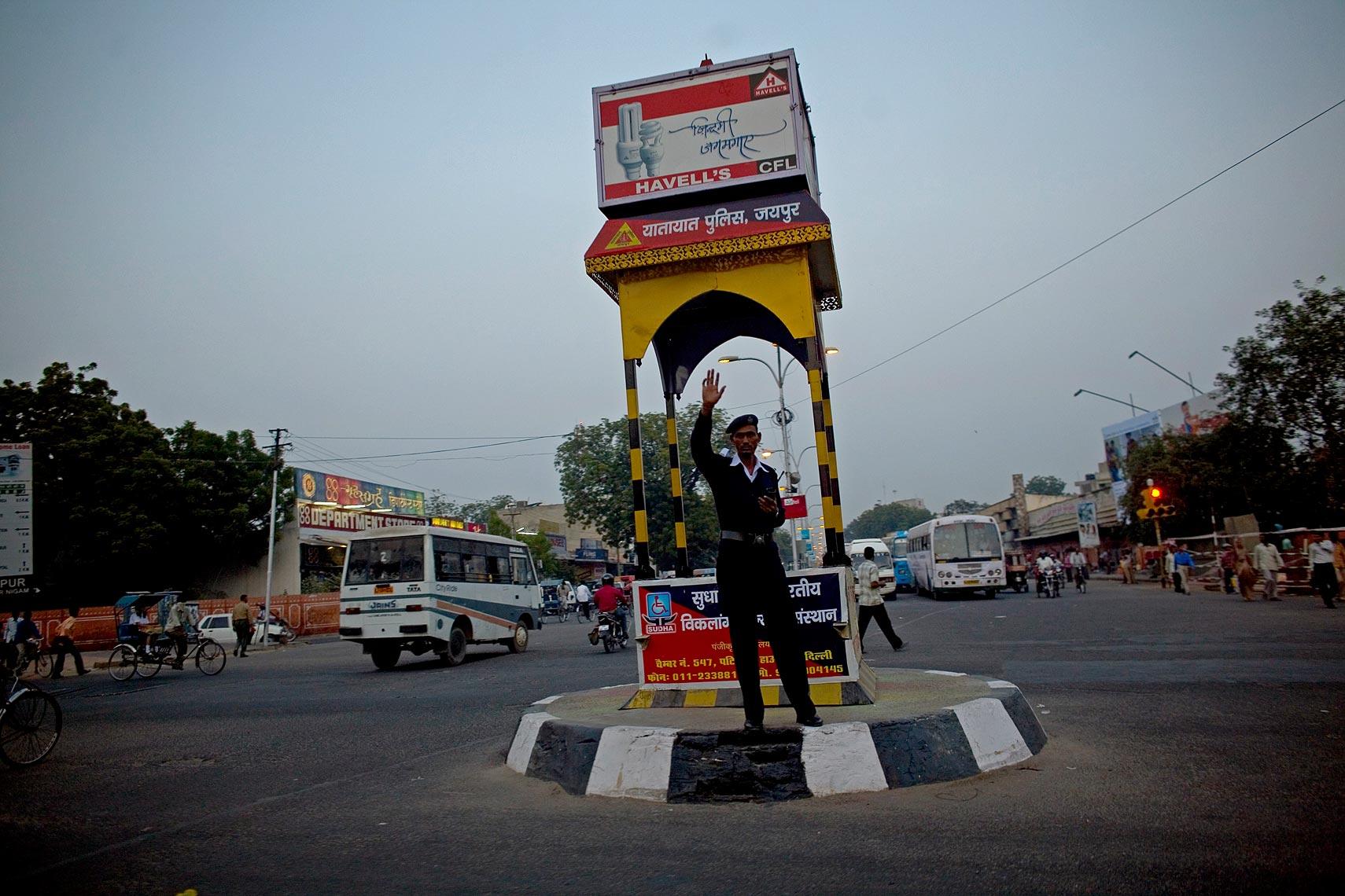 india014.jpg
