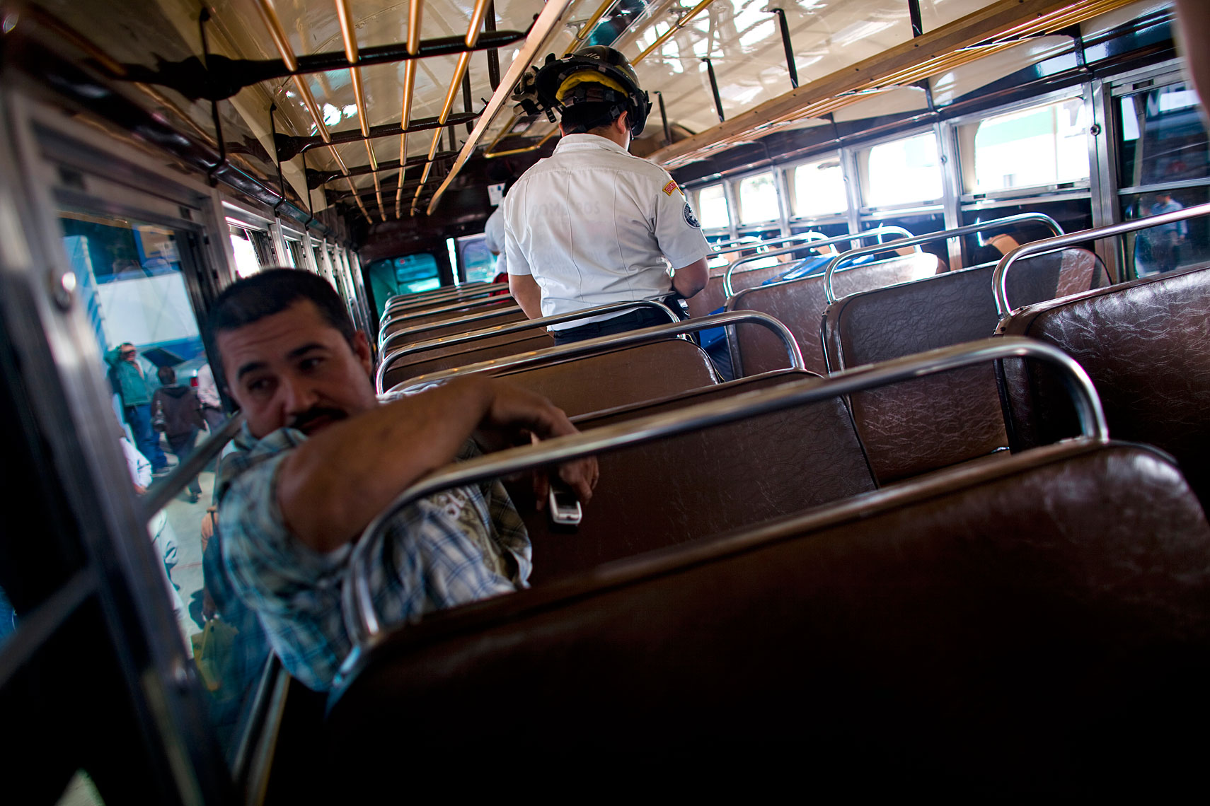 bus018.jpg