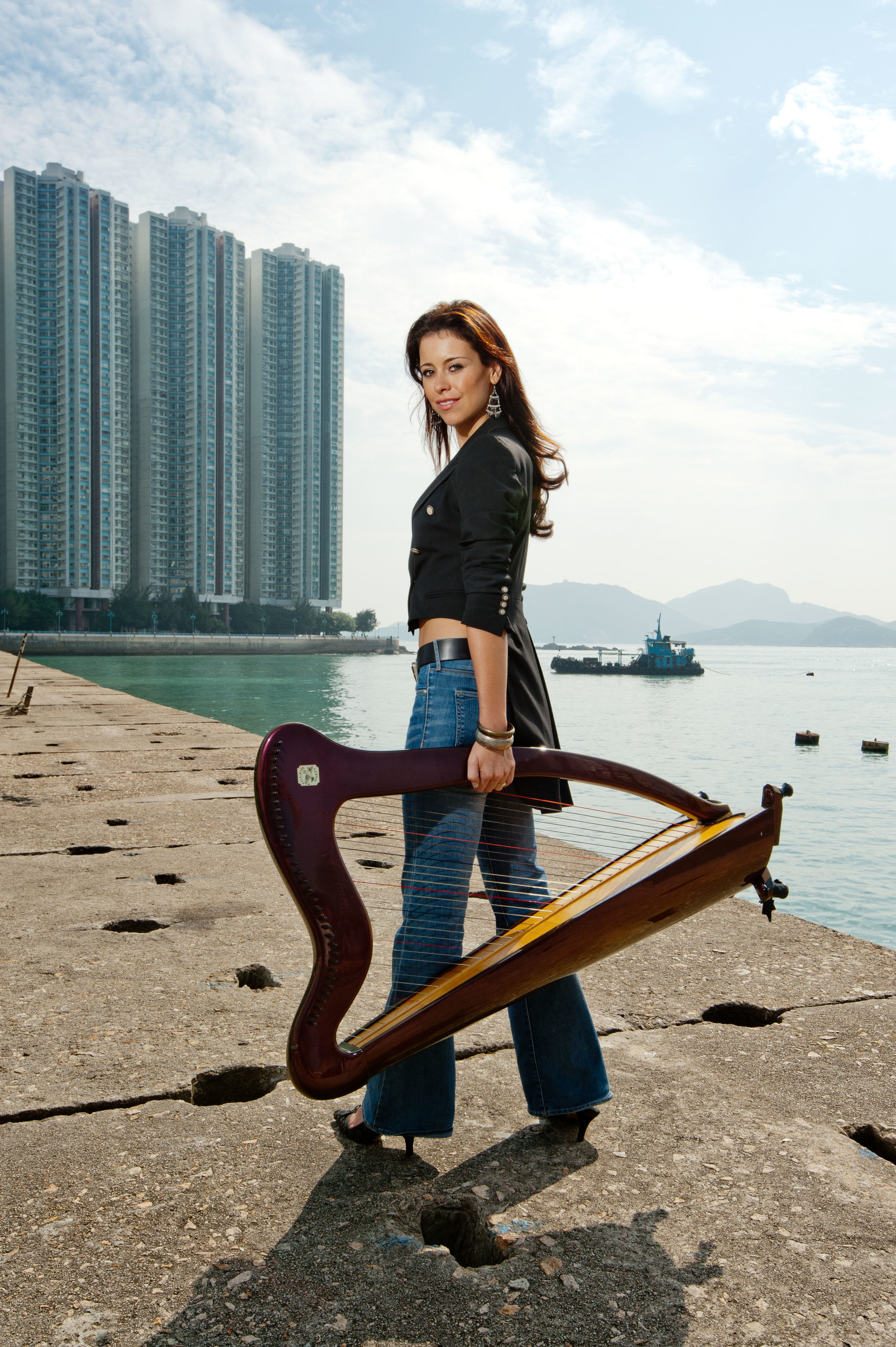 Kate Targett-Adams - With Harp Side (Hong Kong)