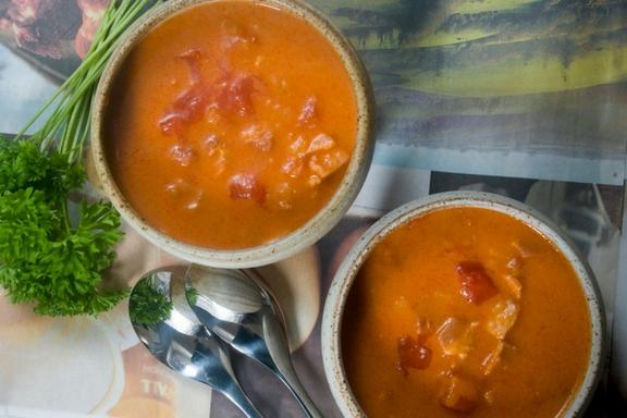 tomato and bacon bonanza soup -