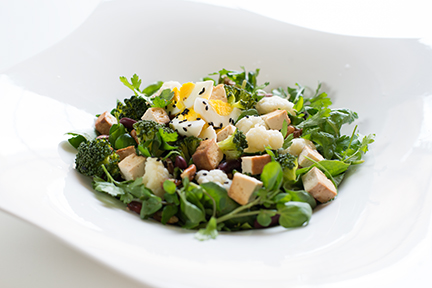 omega 3 salad with watercress, beans & eggs -