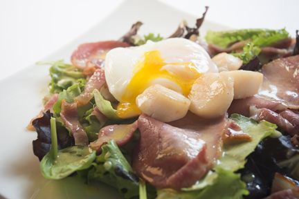 smoked bacon and queenie salad -