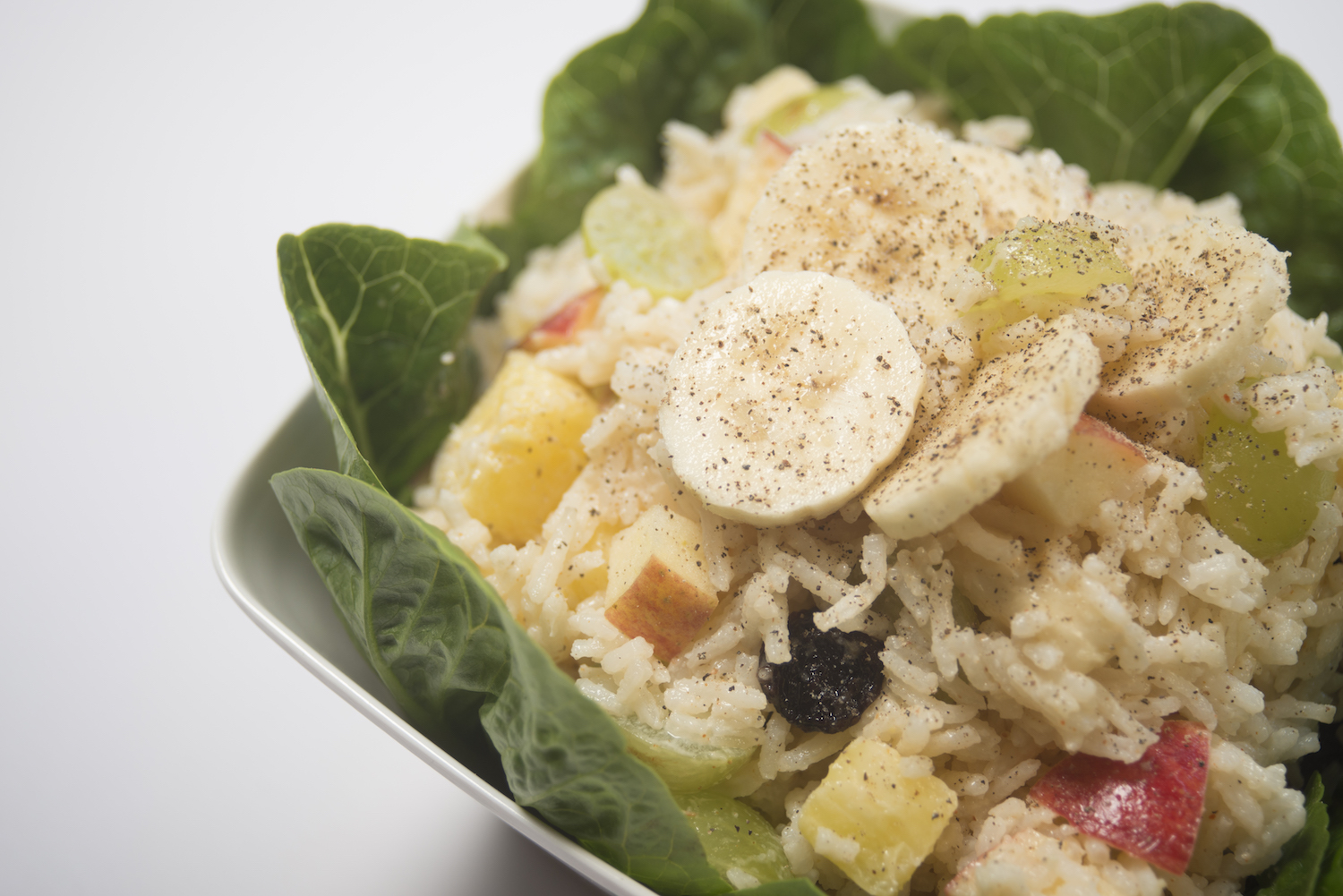 creole-style banana salad with pineapple and raisins -