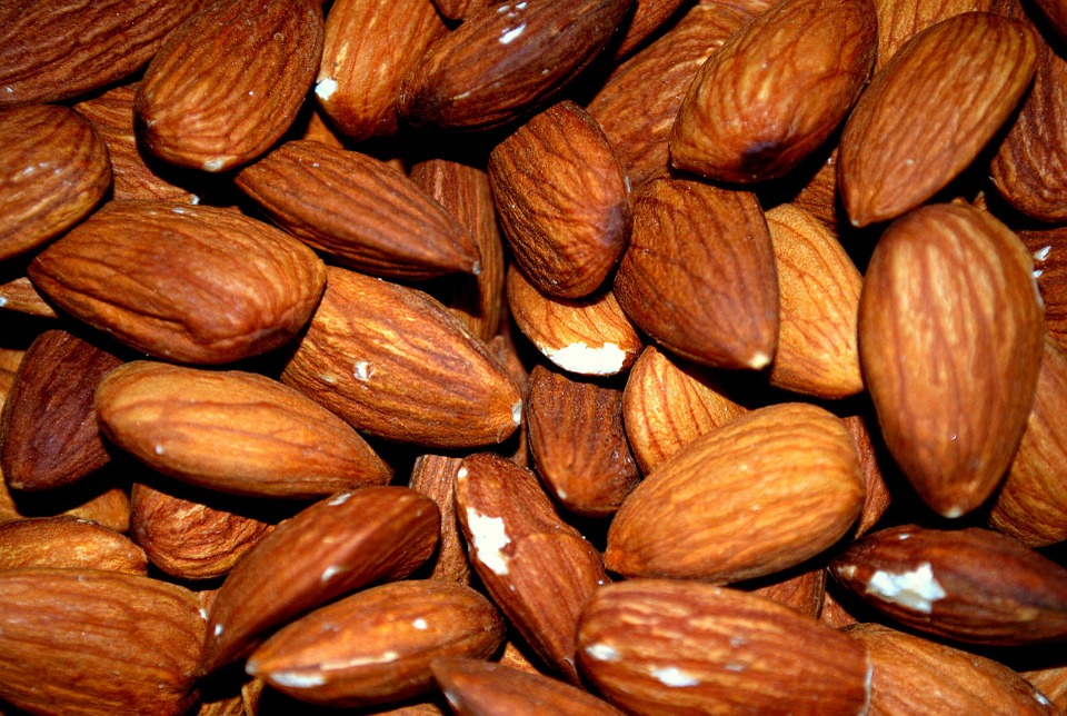 12 almonds = 35mg